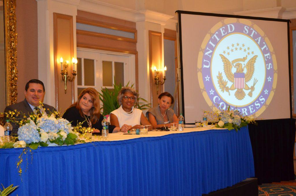 Parte de los invitados en el Panel de Desarrollo Empresarial de la Convención fue la comisionada residente Jennifer González, y las congresistas Nydia Velázquez y Joyce Beatty. Foto: Kathleen Centeno Rodríguez / USC