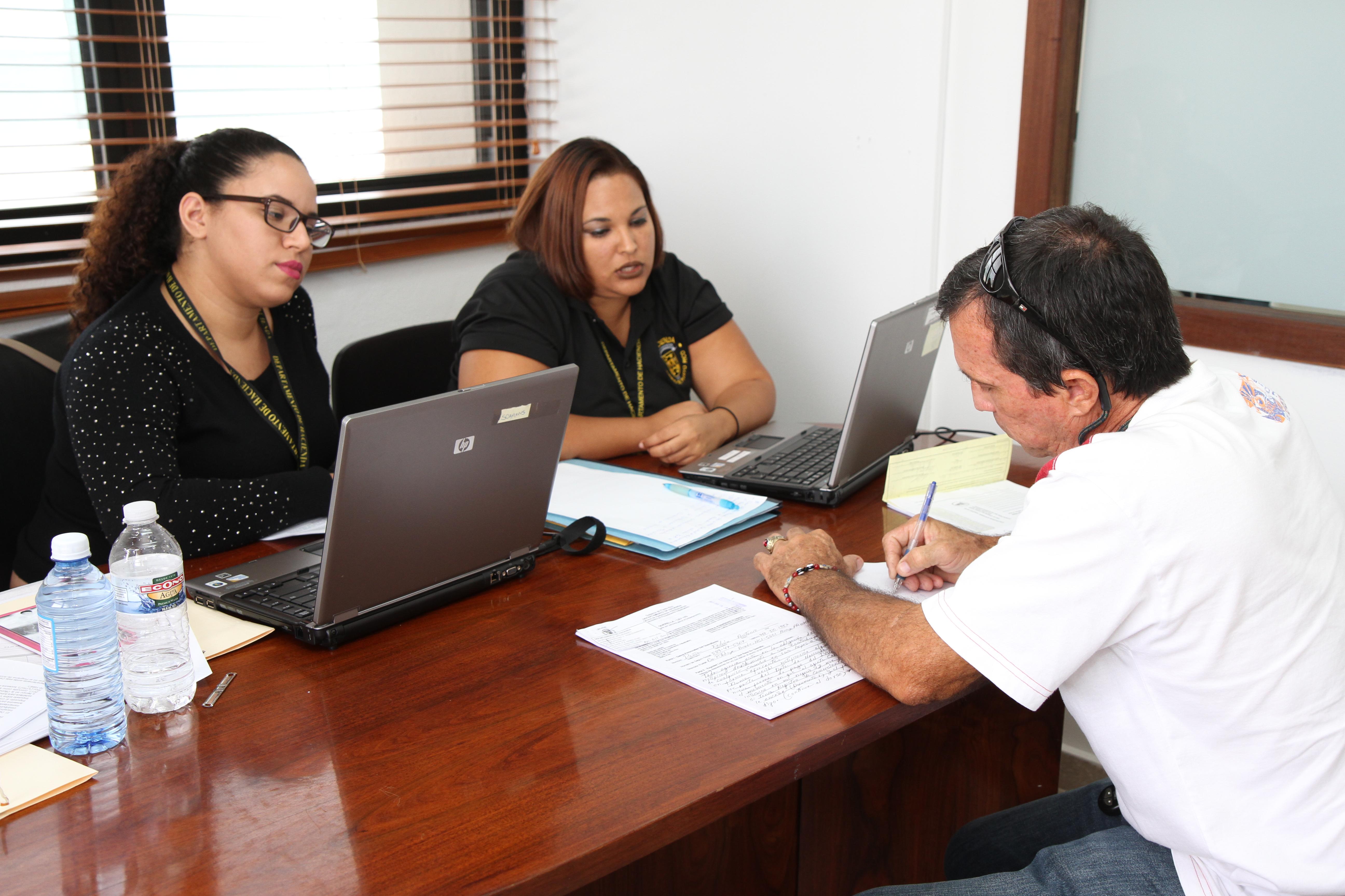 Hacienda tramita multas a comerciantes en el CUD